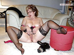 Sexy amateur wives showing the pussy