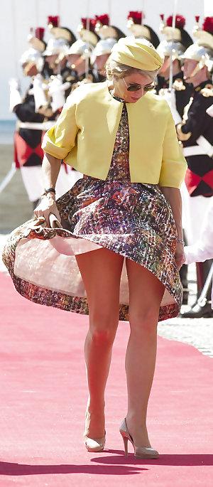 Elegant mature amateur ladies fully clothed.7
