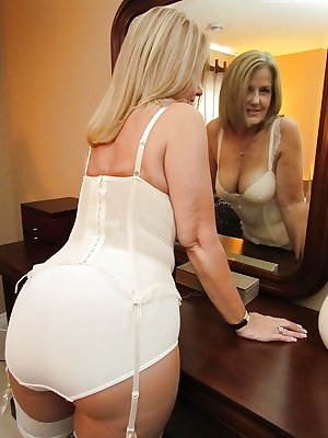 Femme mature en culotte