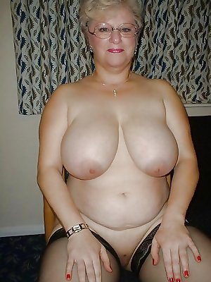 Horny moms housewife