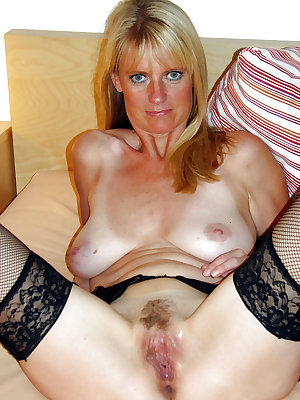Slutty mom loves that dick