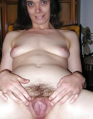 Mature milf spread legs