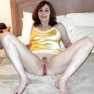 Mature milf spread legs