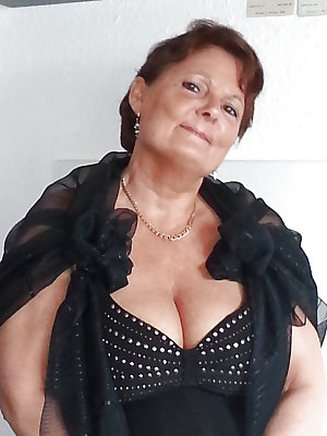 Proud Saggy GRANNIES Sexy Cleavage No.1
