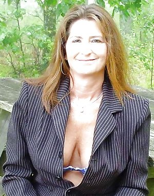 Private pictures of a horny mature German MILF