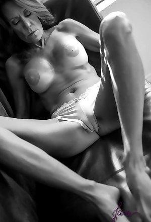 Amatuer nude wife pics