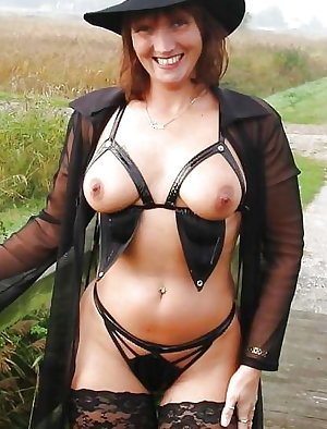 Mature loves to do a hot threesome