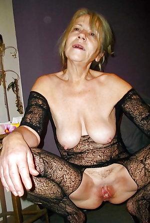 Mature slut enjoys two dicks