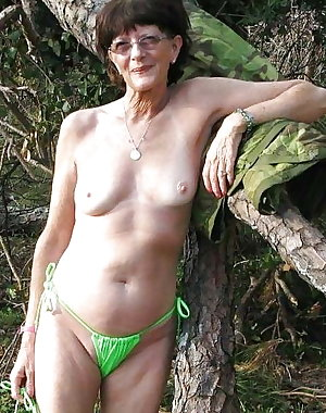 Mature loves a good cock in the forest