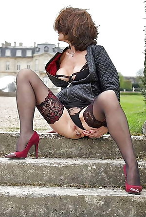 Mature wives free pictures