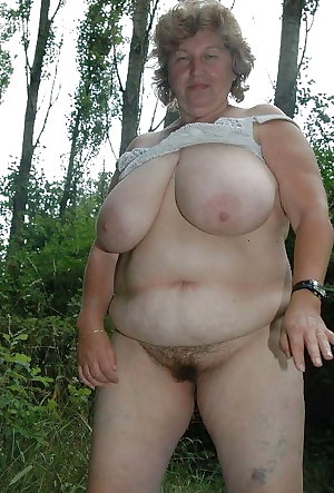 Mature Shirely Sucking Cock Pt1