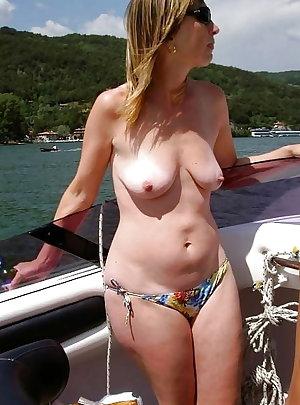 Free mature wife porn pics