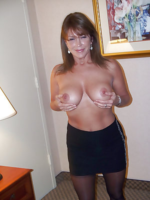 Sexy Amateur MILFS and Matures 4