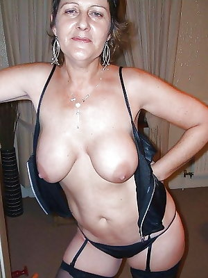Amateur Mature Sexy Wives 14