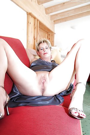 sexy mature ladies 131
