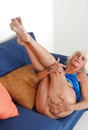 Granny, Older, Seniors...  HOTTIES
