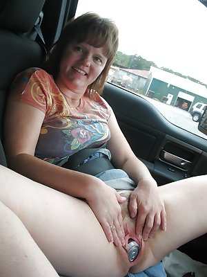 Bbw amateur mature housewife showing their loose pussy