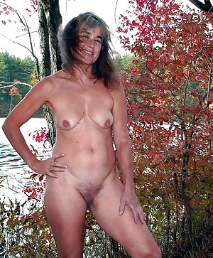Amateur Wives Naked Outdoors