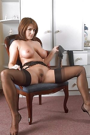 Mature brunette MILF goddesses,
