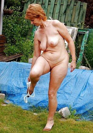 les salopes ( vieilles,nues ,dehors ,mamelles )