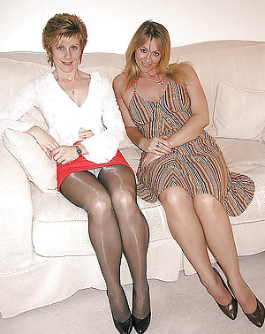 Mature pantyhose from Jimmy 7
