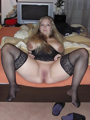 SEXY WIVES AND GIRLFRIENDS 18
