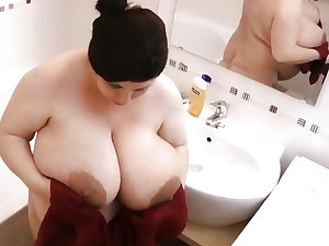Pregnant Mature with huge Boobs and large areolas! Amateur!