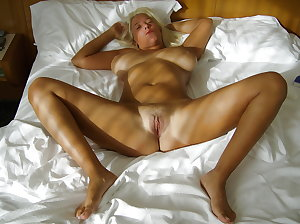 Hot sexy matures and milfs