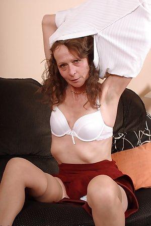 Granny Vikki shows her hairy pussy