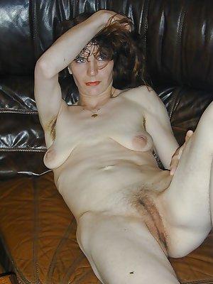 Mature amateur saggy tits 67