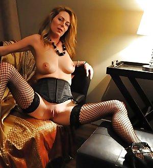 Sexy Matures, Milfs, Gilfs & Wifes 2