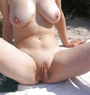 Mom's loose pussy #3