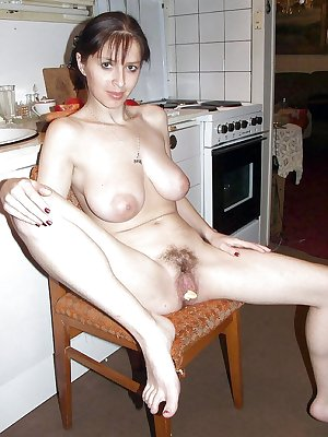 Spreading matures milfs housewives