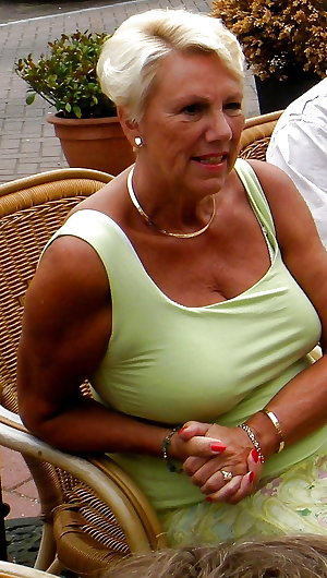 Mature Amateur Ladies 13