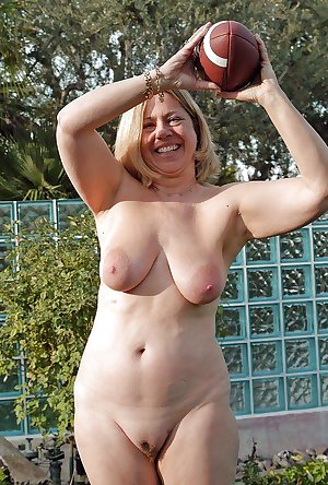 Amateur Mature Sexy Wives 6
