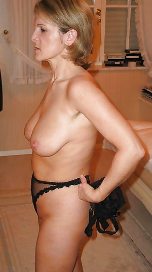 Amateur Mature Sexy Wives 27